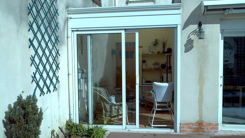 standing v randa photo n 446 r novations. Black Bedroom Furniture Sets. Home Design Ideas